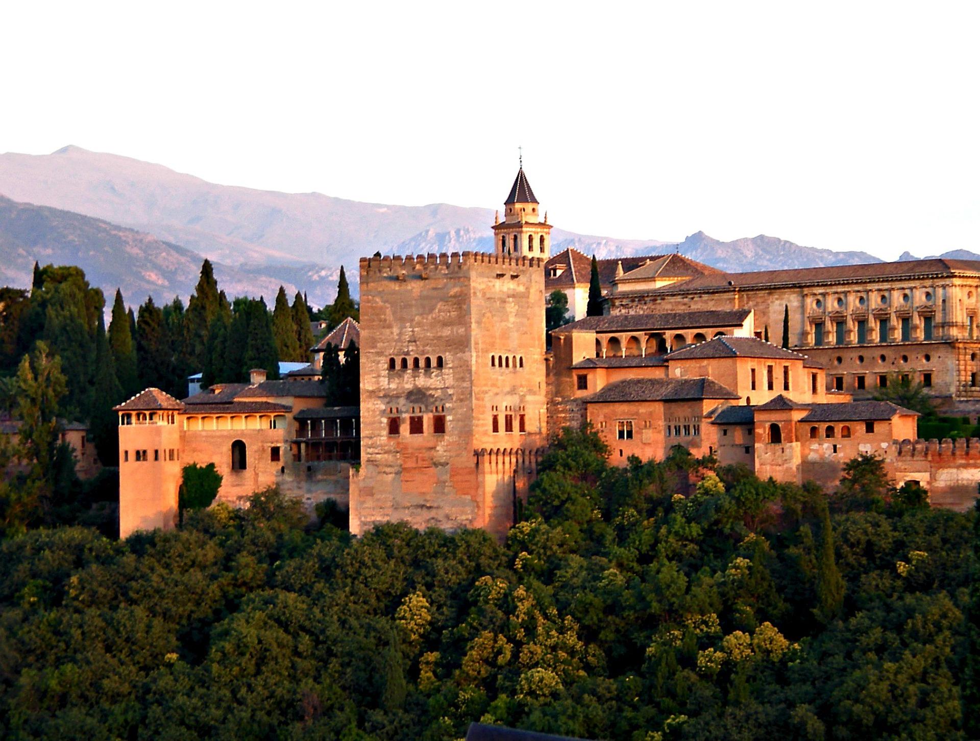 La Alhambra Granada cuidadores Gudog